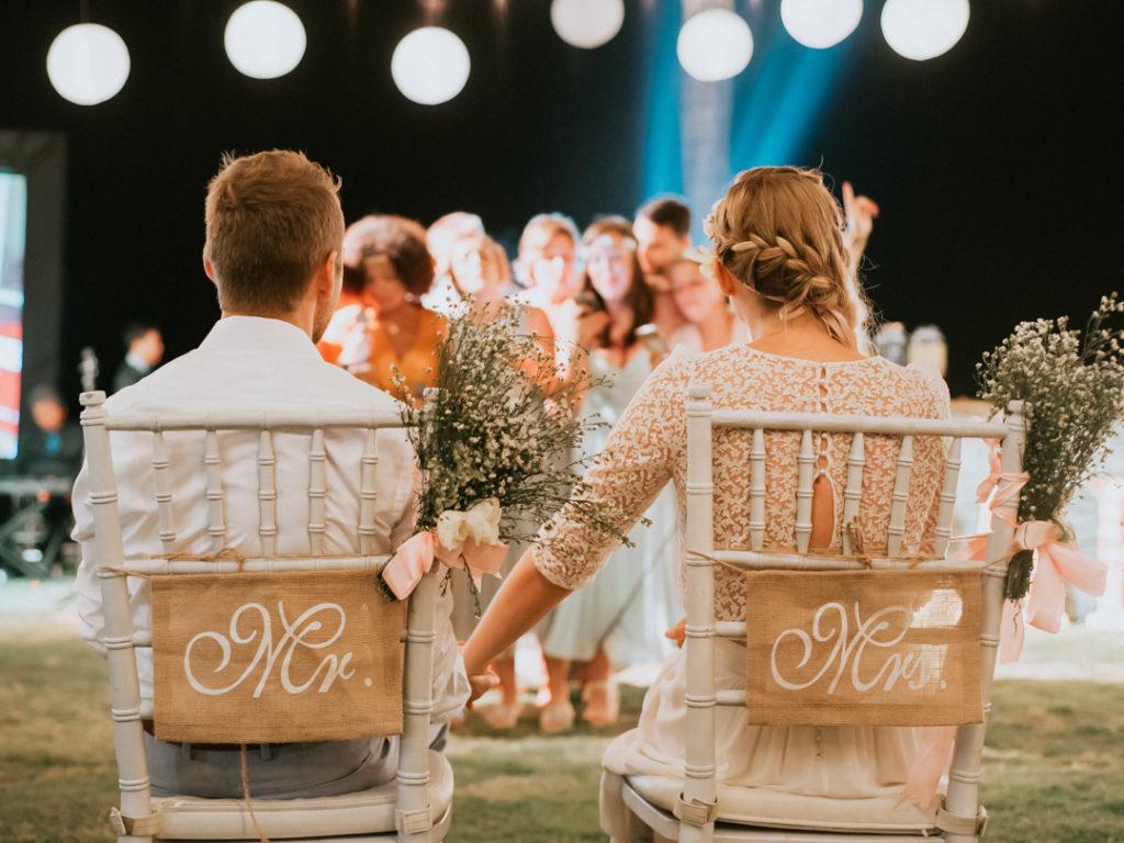 les maries pendant la reception a Bali