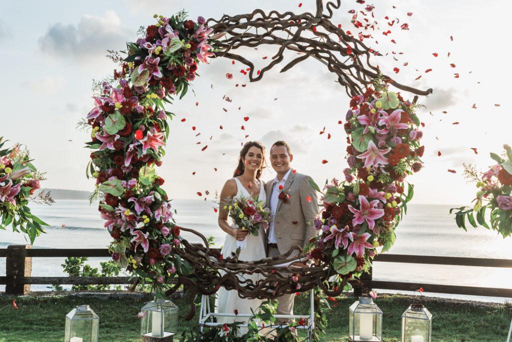 Les maries et l'arche de fleur