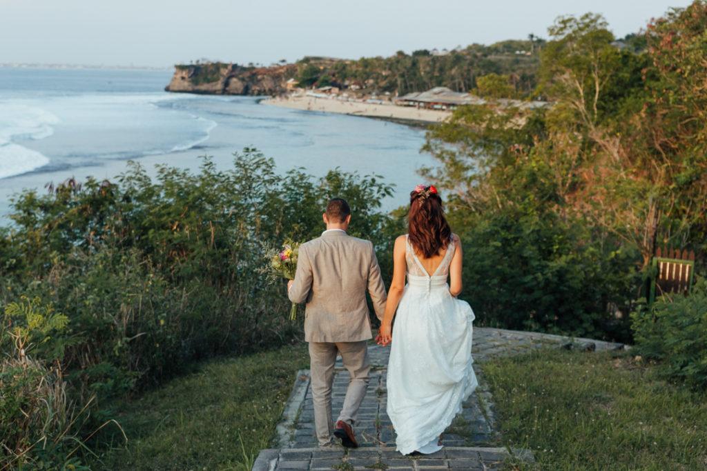 Photo romantique sur la plage a Bali